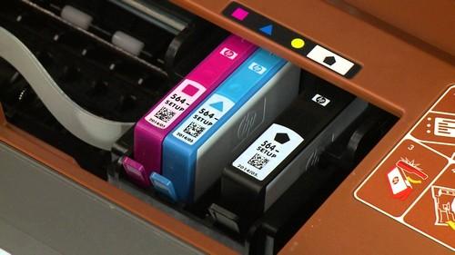 Как в принтер HP вставить картридж