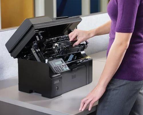 где в принтере находится картридж кэнон