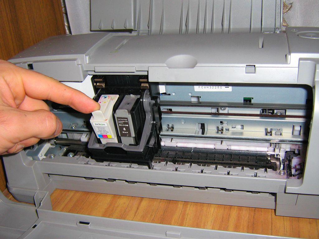 как установить картридж в принтер кэнон