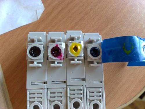 принтер epson не печатает красный цвет